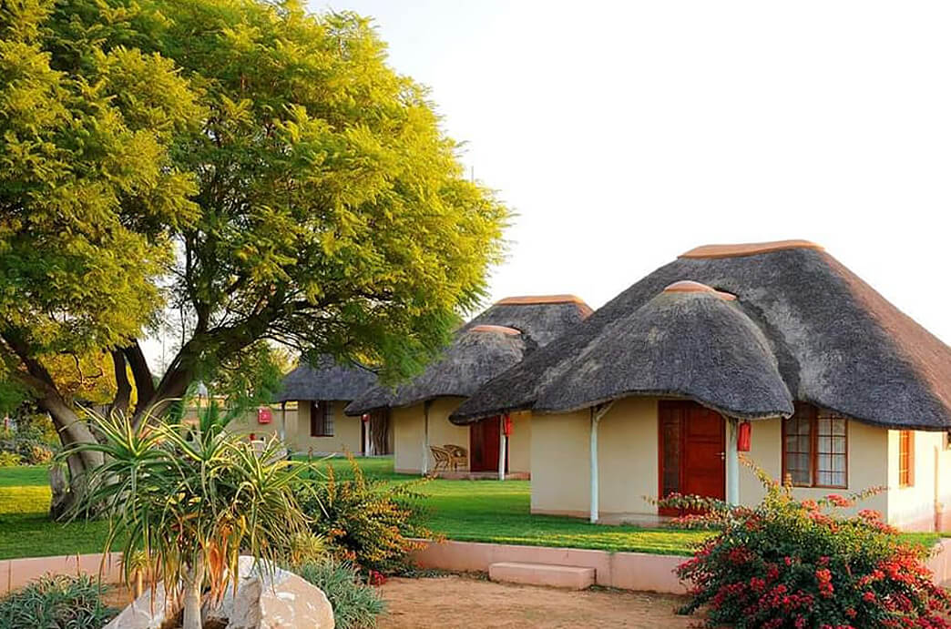 Indongo Lodge Bungalows
